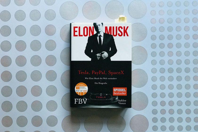 """Buchcover Elon Musk """"Realität und Story"""""""
