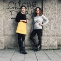 Julia Peglow und Michaela Hannah Zeman im urbanen Setting