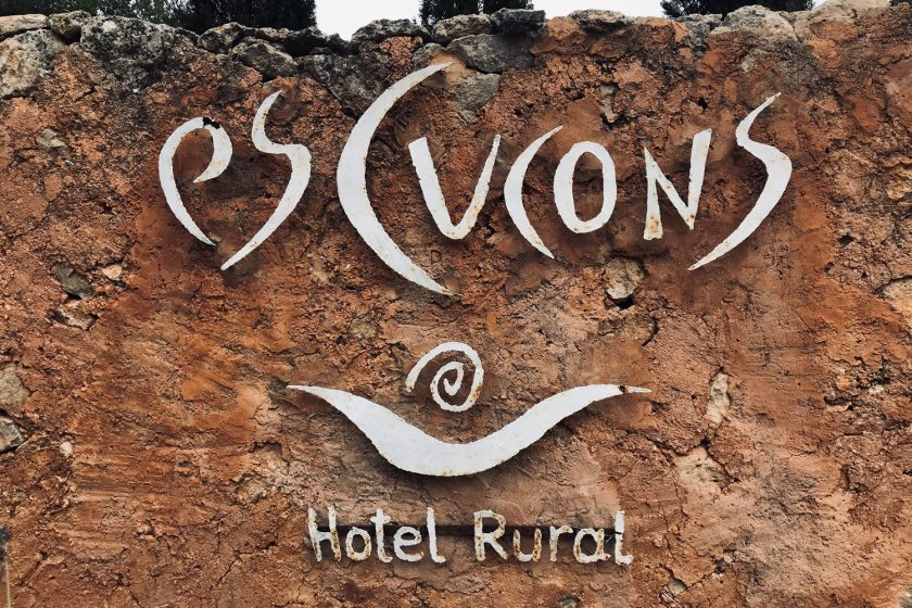 The friendly door sign of Es Cucons hotel Ibiza